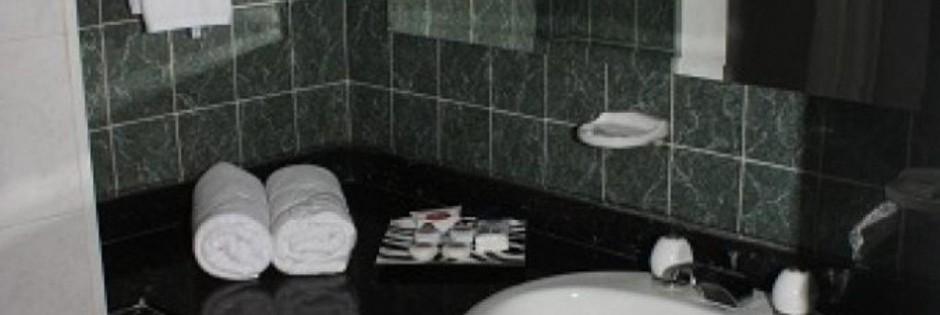 Habitacion Baño. Fuente: hotelhunza.com